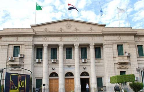 آداب القاهرة  تنظم حوارًا حول دور جامعة القاهرة التنويري فى المجتمع ضمن برنامج  حوارات الآداب  -