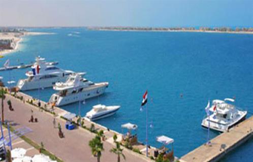 غلق ميناء شرم الشيخ البحري.. ومنع سير سيارات النقل من رأس سدر وحتى طابا -