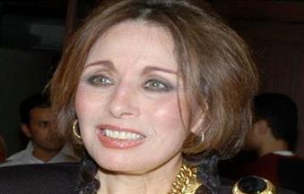 انطلاق حفل تكريم الفنانة لبنى عبد العزيز