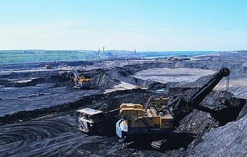 بي.بي : النفط الصخري وأوبك سيهدئان أسواق البترول -