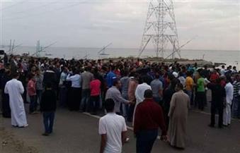 العشرات من أهالي البرلس ينظمون وقفة احتجاجية على الطريق الدولي بسبب سرقة مواشيهم
