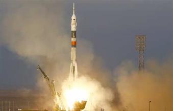 روسيا تطلق صاروخا يحمل مركبة فضائية