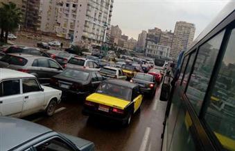 تكثيف الحملات لتحقيق السيولة المرورية بالإسكندرية تزامنًا مع أعياد الميلاد