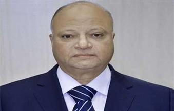 أمن القاهرة يوزع المنتجات والسلع الغذائية الأساسية على المواطنين