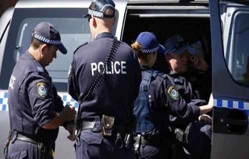 شرطة ملبورن تفرّق بالرصاص المطاطي تظاهرة مضادة للتطعيم