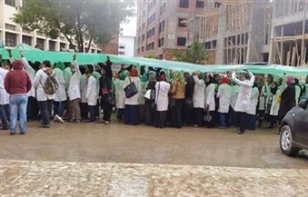 طلابأسنان-دمنهور-يواصلون-إضرابهم-ويطالبون-بتجهيز-المعامل-وشعارهم-يا-تجهزوها-يا-تقفلوها