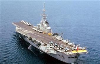 حاملة الطائرات الفرنسية شارل ديجول تعود للميناء للاشتباه في وجود حالات كورونا
