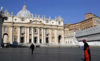 الفاتيكان يحقق في أنباء عن ممارسة علاقات مثلية بإحدى مؤسساته