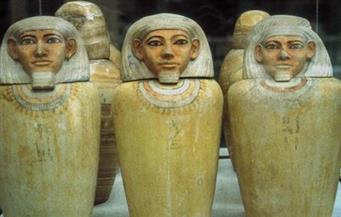 سفارة مصر فى باريس تتسلم قطعة أثرية مسروقة قبل بيعها في صالة مزاد