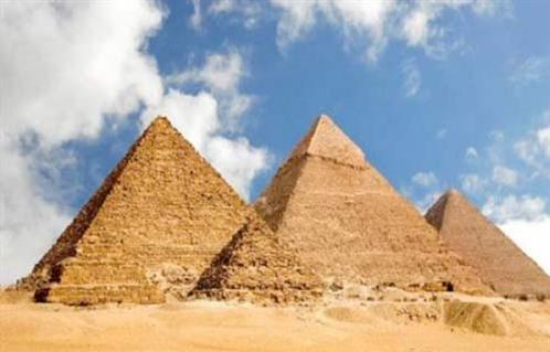 منطقة الأهرامات تحتضن المعرض الفني العالمي  الأبد هو الآن  أكتوبر المقبل