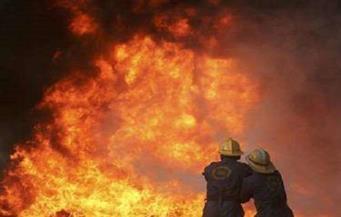 إخماد حريق ضخم شرق طهران