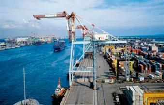 انتظام أعمال الشحن والتفريغ بميناء الإسكندرية رغم موجة الطقس السيئ