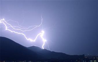 موجة من الطقس السيئ في دمياط مصحوبة بأمطار رعدية.. ورفع حالة الطوارئ