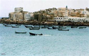 قوات الجيش اليمنى تحبط هجومًا للقاعدة على ميناء المكلا.. والطائرات تقصف تجمعات للتنظيم بأبين