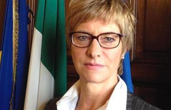 وزيرة الدفاع الإيطالية: مستعدون لتوفير قاعدة جوية لأمريكا لضرب داعش في ليبيا