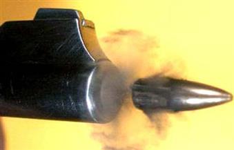 إصابة طالبة بطلق ناري طائش أثناء تواجدها بمنزلها في سوهاج