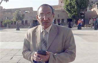 رئيس مدينة الأقصر يُناقش ملفات النظافة ومواد هدم البناء المخالف مع رؤساء الأحياء