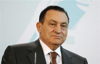 استعدادات لبدء مراسم تشييع جثمان الرئيس الأسبق مبارك من أمام مسجد المشير| فيديو
