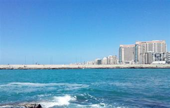 """محافظ الإسكندرية يحذر من المساس بكورنيش البحر.. ويؤكد: """"خط أحمر"""""""