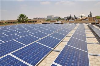 غراب-استخدام-الطاقة-الشمسية-لإنارة-المبنى-الإداري-بجامعة-قناة-السويس