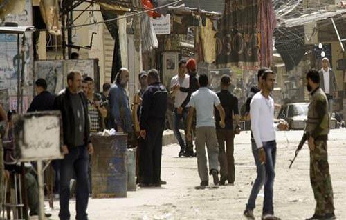 هدوء حذر في مخيم عين الحلوة بلبنان بعد اشتباكات مسلحة وخسائر مادية
