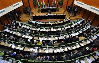 محتجون يحاولون اقتحام برلمان كردستان العراق في أربيل بعد إعلان برزاني نيته التنحي