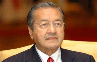 مهاتير محمد يطير لبكين لإعادة التفاوض بشأن صفقات البنية التحتية بين ماليزيا والصين