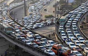 كثافات مرورية بسبب حادث تصادم سيارتين أعلى دائرى المريوطية