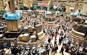 وول ستريت تفتح منخفضة تأثرا بأسعار النفط وعوائد السندات