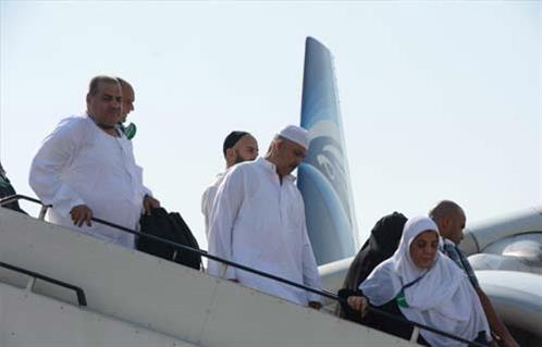 مصر للطيران  تنظم 38 رحلة لإعادة 8400 حاج من السعودية -