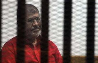 """تأجيل إعادة محاكمة مرسي في قضية """"اقتحام السجون"""""""