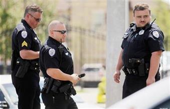 الشرطة الأمريكية تبحث عن مسلح قتل أربعة في مركز تجاري بولاية واشنطن