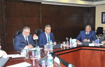 وزيرا النقل والتنمية المحلية يتابعان المرحلة الأولى من المشروع القومي لرصف الطرق بالمحافظات