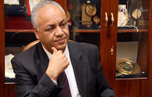 مصطفى بكري لـ  :  الدولة والفوضى  يستعرض دور مؤسسات الدولة في حماية مصر -