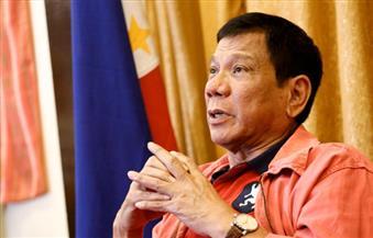 """رئيس الفلبين يظهر""""مباشر"""" عبر """"فيسبوك"""" لنفي شائعات مرضه"""