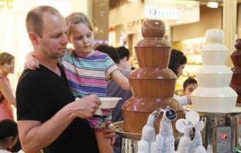 """""""أبو الهول"""" من """"الشوكولاتة"""".. سفارة سويسرا تستضيف فنان الحلوى """"ليمان"""" فى احتفالية بمصر"""