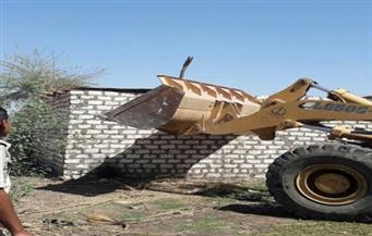 حملة لإزالة التعديات على الأرضي الزراعية في كفر سعد بدمياط