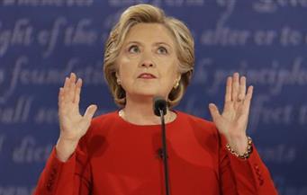 مراكمة بيل وهيلاري كلينتون للثروة تشعل الانتخابات الأمريكية