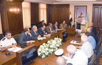 محافظ الإسكندرية يعقد اجتماعًا موسعًا لدراسة إعادة تخطيط المرور والنقل