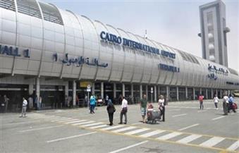 ضبط 3 قضايا تهريب عملات وعبوات لعاج الفيروسات بمطار القاهرة