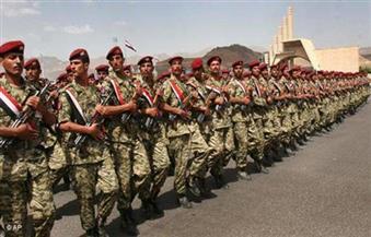اشتباكات عنيفة وغارات للتحالف العربي على جبهتي صرواح ونهم باليمن