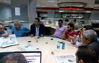 بالصور.. وفد من الصحفيين يزور المعتصمين بالمصري اليوم وأمين يعد بالتواصل مع صلاح دياب لحل الأزمة