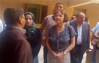 بالصور.. سفيرة التشيك بالقاهرة تزور الوادى الجديد لدعم مرضى السرطان