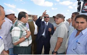 بالصور.. محافظ كفر الشيخ يتفقد رفع ناتج التكريك ببحيرة البرلس