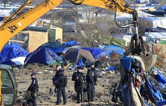 الشرطة الفرنسية تشتبك مع مهاجرين ومحتجين خارج مخيم كاليه