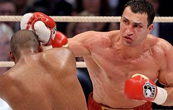 الملاكم الأوكراني كليتشكو يخوض مباراة لقب بطل العالم في الوزن الثقيل في هامبورج بألمانيا
