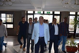"""محافظ الإسماعيلية: """"السيسي"""" يُتابع حالة رئيس مباحث أبو صوير المصاب.. والأطباء: حالته سيئة"""