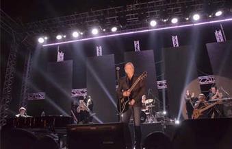 بالصور.. مايكل بولتون يبدأ أول حفلاته الغنائية في القاهرة