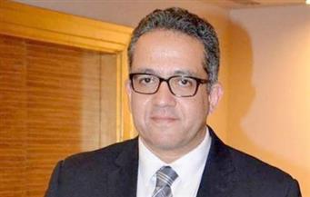 وزير الأثار بالبر الغربي بالأقصر لافتتاح مقبرة جديدة