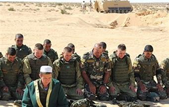 """الجنود الروس يصلّون إلى جانب المصريين فى مناورات """"حماة الصداقة"""""""